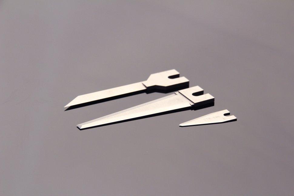 ソード型カッター刃